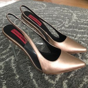 Size 7 stiletto pumps never worn before